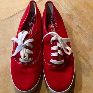 Like new red Keds!